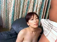 Cute honey gets her twat filled with pipe on the couch